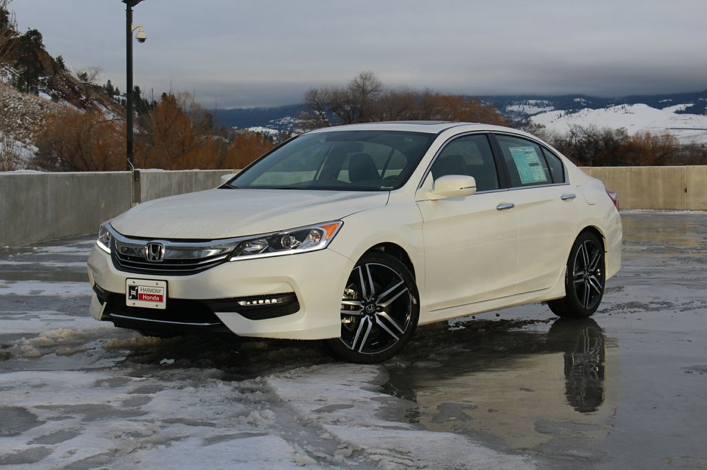 New 2017 Honda Accord Sedan Sport 4 Door Car In Kelowna