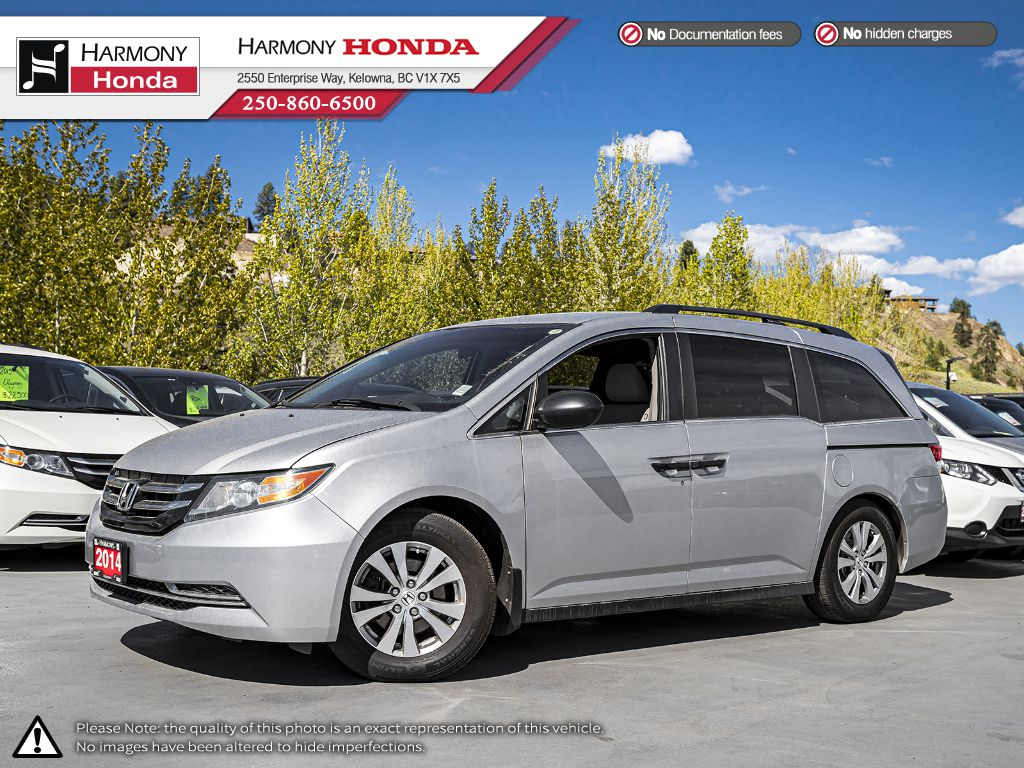 Pre-Owned 2014 Honda Odyssey SE - NON-SMOKER DRIVEN - BC VEHICLE - BACKUP CAMERA - BIKE HITCH - EXTRA SET OF TIRES (WINTER)